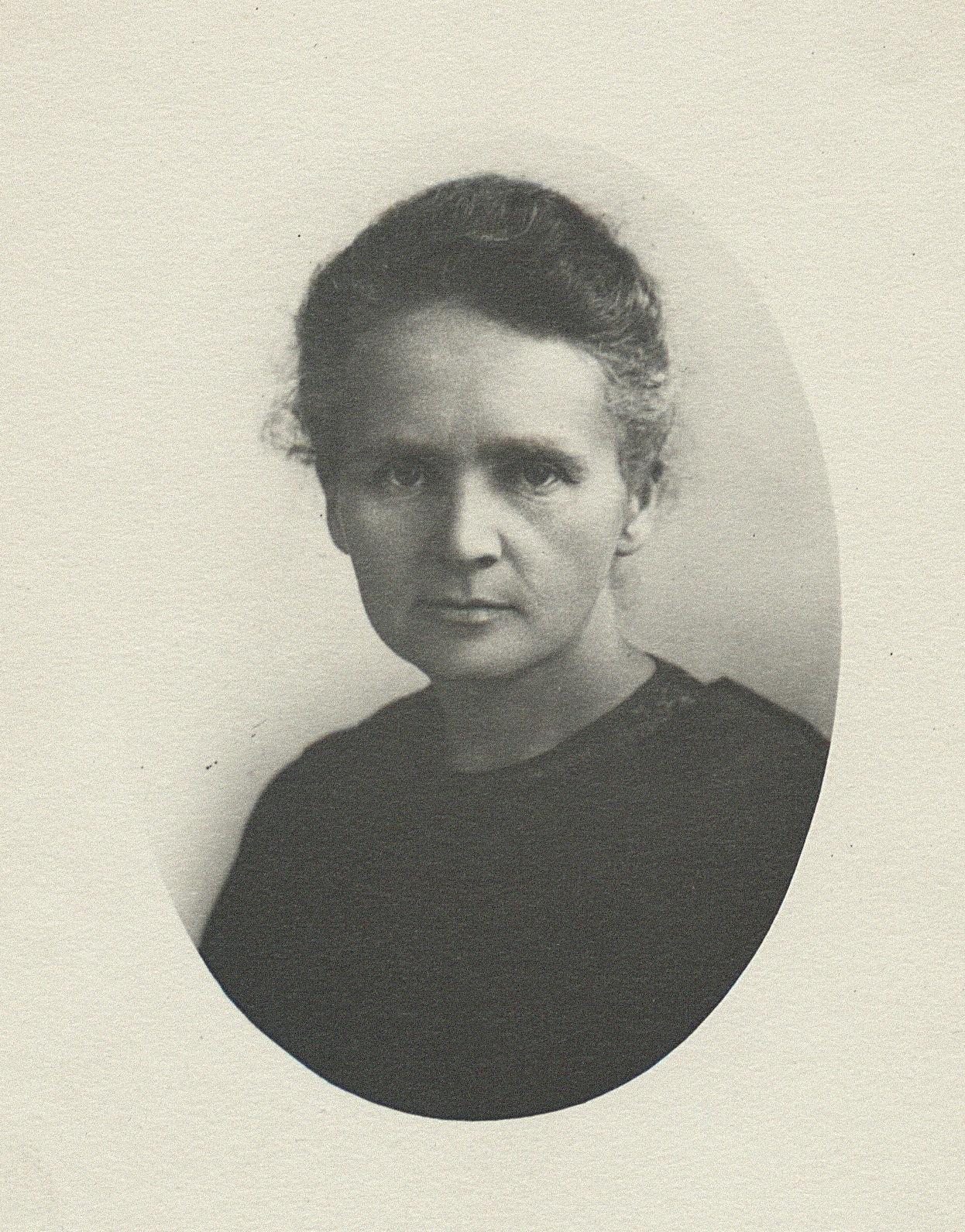 Fotografia portretowa Marii Skłodowskiej-Curie z 1913 roku
